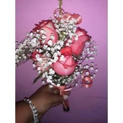 Centro de mesa con 5 rosas naturales